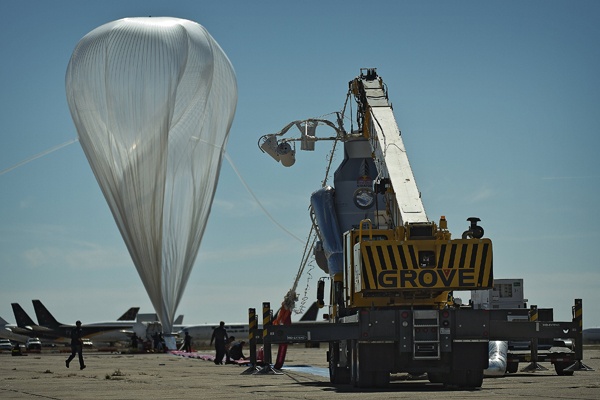 Red Bull Stratos' high-altitude balloon twists in the wind