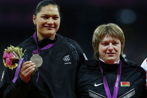 Valerie Adams and Nadezhda Ostapchuk