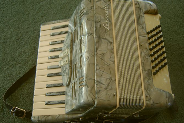 Annoying accordian - Listing #: 524327074