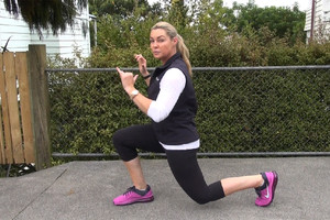 Lee-Anne Wann stationary lunges