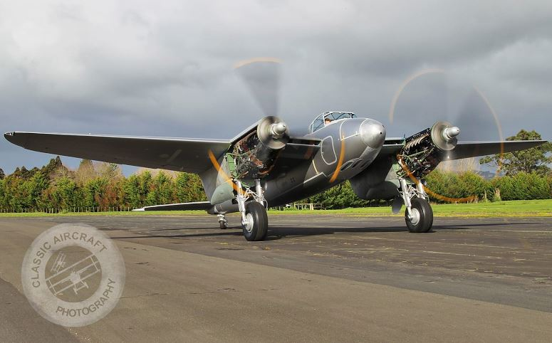 Mosquito / restoration / plane