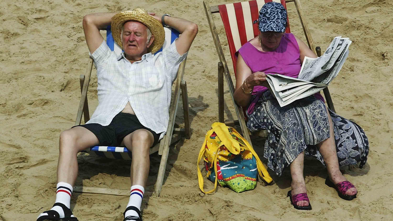 A couple soak up the sun (Getty)